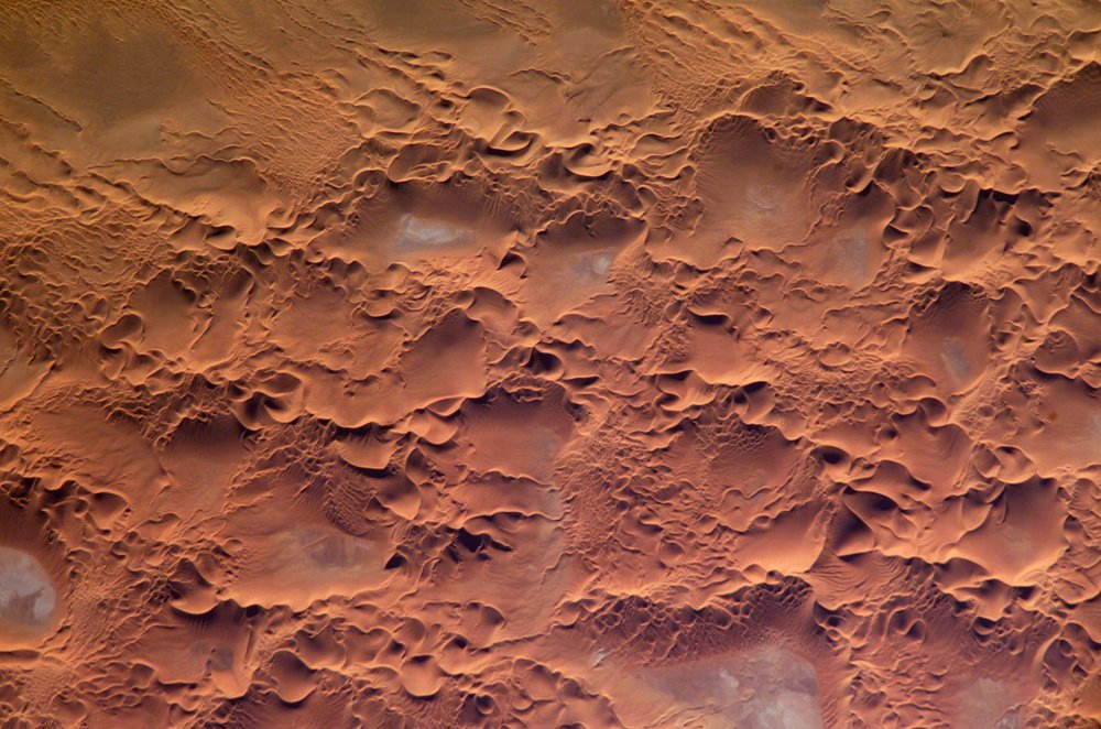 Dunes on Mars – New HiRISE Images